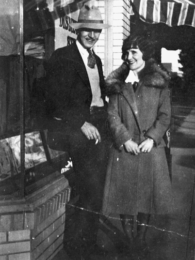 Walt & Lillian in front of Kingswell Studios 1925